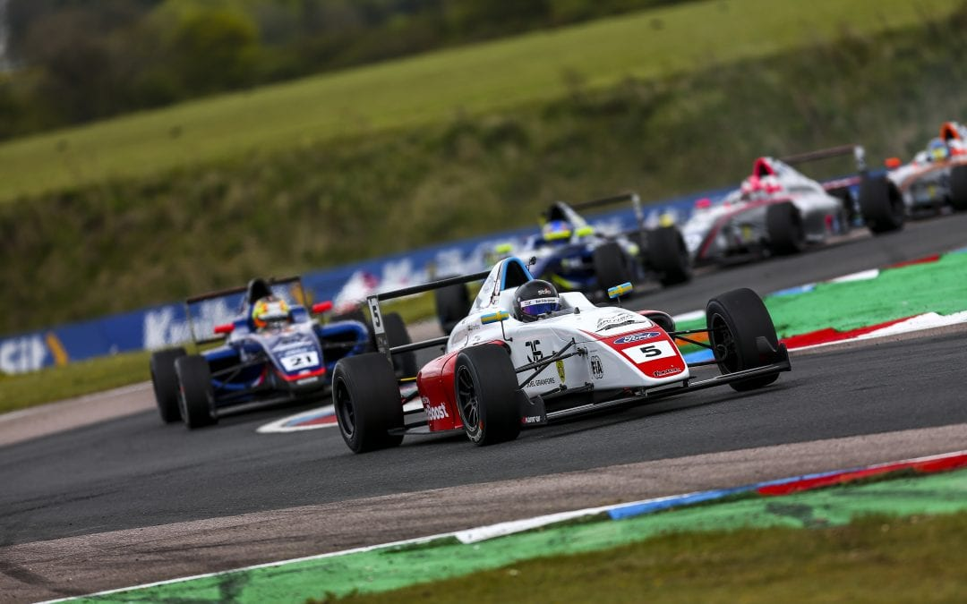 Fortec Motorsport look to extend early lead in British F4 at Snetterton